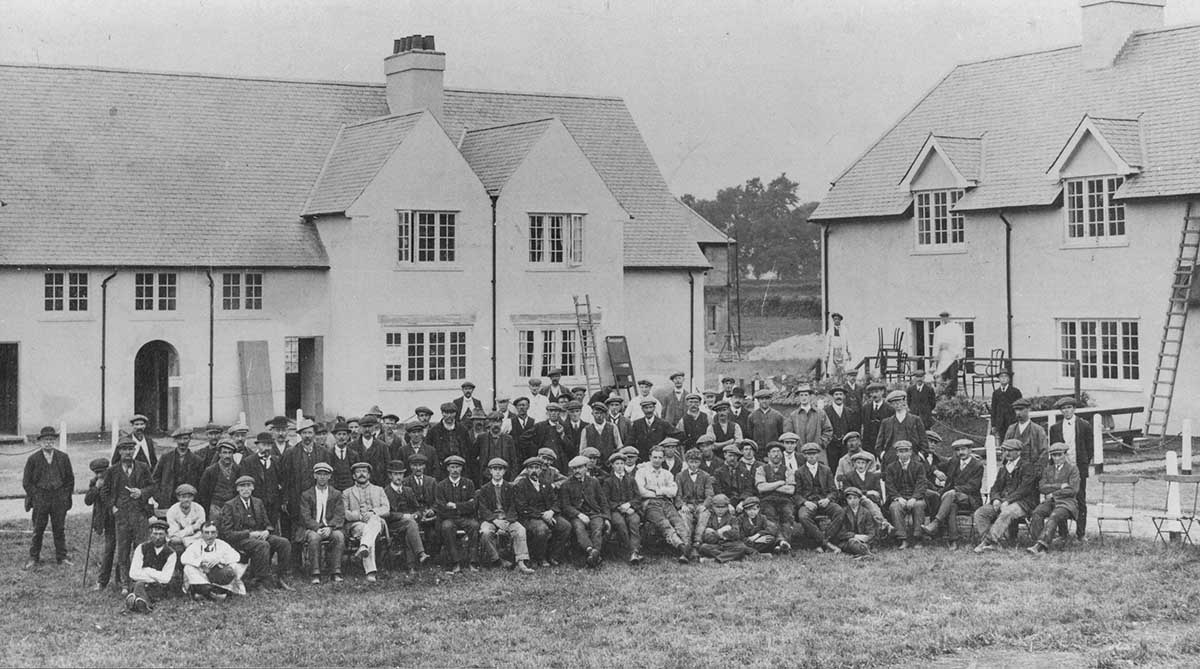 Garden Village Builders in Y-Groes Rhiwbina 1913